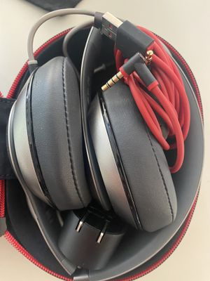 BEATS BY DRE — STUDIO. LIKE NEW. for Sale in West Hollywood, CA