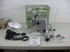 Nesco Professional Food Grinder FG-400PR 380-Watt Cast-Aluminum for Sale in North Springfield, VA