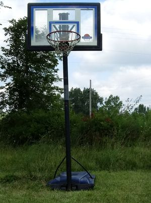 Basket ball hoop for Sale in Marengo, OH