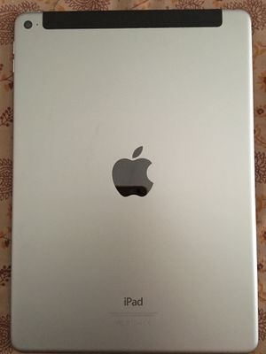 iPad Air 2 64 GB WiFi + Cellular UNLOCKED With APPLE CASE for Sale in Silver Spring, MD