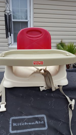 BOOSTER SEAT for Sale in Newport News, VA