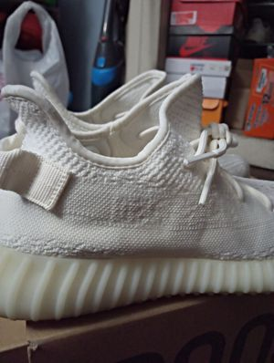 Adidas Yeezy Boost 350 V2 Cream White for Sale in Carson, CA