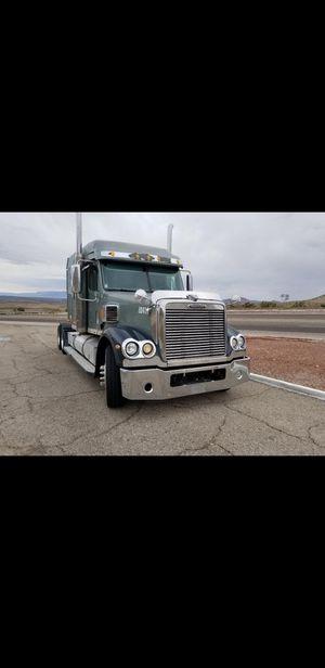 2007 Freightliner Coronado Detroit 60 series 14 liter transmission 13 speed 1million miles $22K for Sale in Hobbs, NM