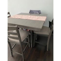 Dining Room Table for Sale in Abington,  MA