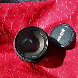 Nikon AF Nikkor 50mm 1:1.8 lens for Sale in Tampa, FL