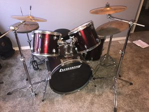 Ludwig Accent GS 5 piece drum set. Includes cymbals, stands, and throne. for Sale in Selma, CA