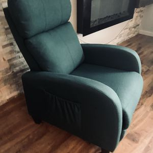 Tamiko Manual Recliner !!! for Sale in Vancouver, WA