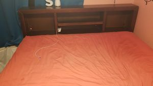 Full size bed with twin bed for Sale in Rialto, CA