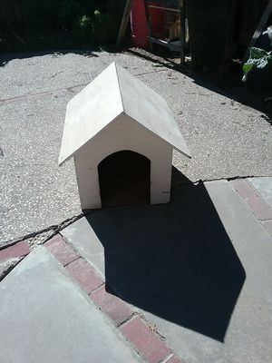 Dog house for Sale in Turlock, CA