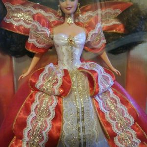 MATTEL 17832 HAPPY HOLIDAYS Barbie Special Ed Brun Doll - Dated 1997 - Never Removed From The Box for Sale in Saint Paul, MN