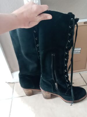 Uggs high top boots sz 8 for Sale in Lake Placid, FL
