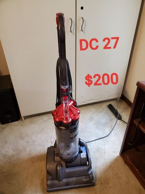 Dyson DC 27 vacuum cleaner for Sale in Highland Village, TX