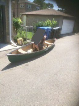 15 ft canoe $400 or OBO for Sale in Chicago, IL