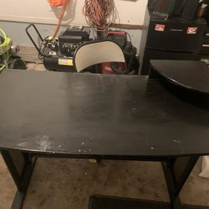 Black Desk 47x23 30 Inch Height for Sale in Derby, KS