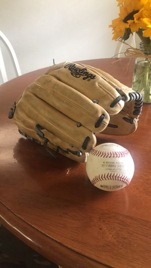 Professional Game worn baseball glove for Sale in Newport News, VA