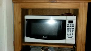 Microwave works great asking $15 obo for Sale in Cleveland, OH