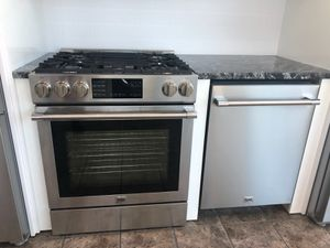 Dishwasher and oven set for Sale in St. Louis, MO