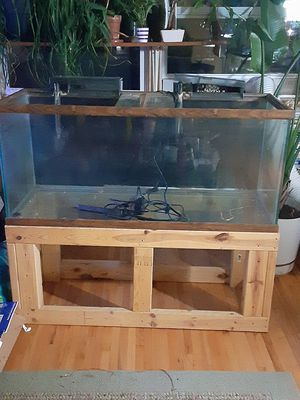 75 gallon aquarium fish tank for Sale in Saint Paul, MN