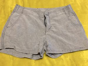 Columbia Shorts - Size 8 for Sale in Paint Lick, KY