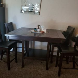 Comedor for Sale in Long Beach, CA