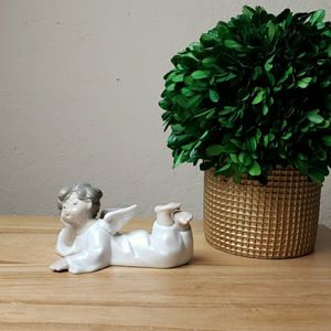 Vintage Lladro #4541 Angel Lying Down Figurine for Sale in Redmond, WA