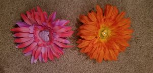 2 flower hairclips for Sale in FSTRVL TRVOSE, PA