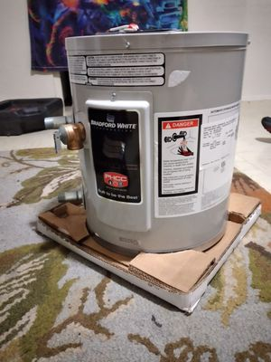 Still I'll n the box electric water heater for Sale in Oklahoma City, OK