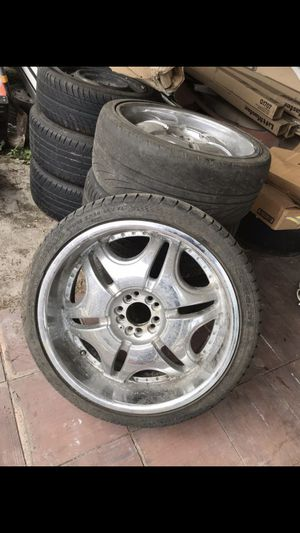 Rims 20 in good condition for Sale in Tampa, FL