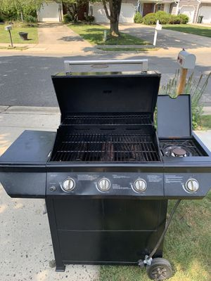 Bbq grill for Sale in Tinton Falls, NJ