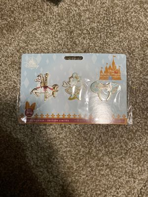 Disney Minnie Mouse- The Main Attraction July King Carousal Pin set. for Sale in Renton, WA