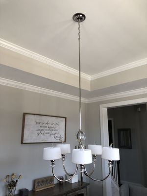 5 lamp Chandelier for Sale in Holly Springs, NC