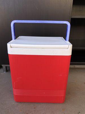 Igloo 17 qt cooler for Sale in Phoenix, AZ