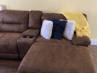 Recliner Sectional couch for Sale in Lowell,  MA