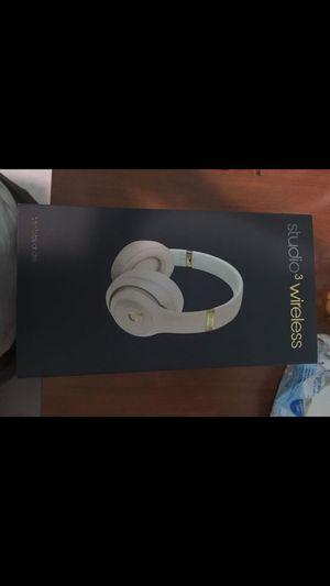 Beats studio 3 wireless desert sand for Sale in Hialeah, FL