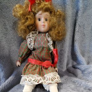 Duck House Porcelain Doll for Sale in Spring Valley, CA