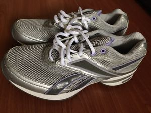 Rebook easy tone shoes for Sale in San Jose, CA