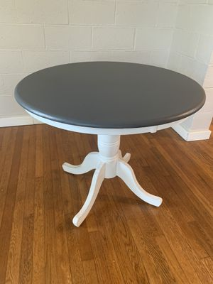 Small kitchen/dinning table for Sale in San Rafael, CA