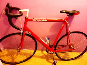 It is a cannondale model, 3.0, 56cm has been modernized more, it is running like new, it runs 100% for Sale in New York, NY