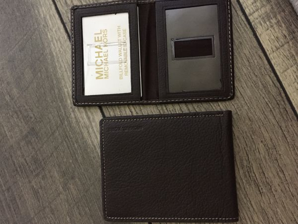 New authentic MICHAEL KORS men wallet with ID case, dark brown, $25!!!