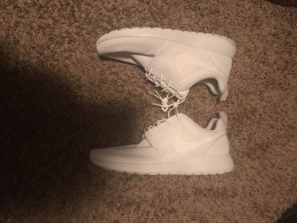 White Nike Hurrache's Size 10 worn once