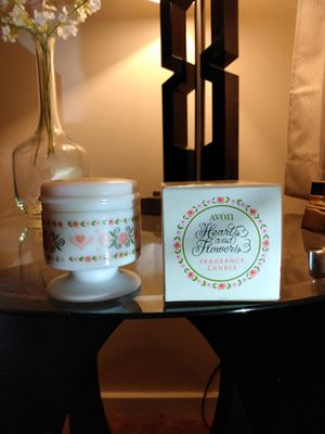 Vintage 1973 Avon Hearts & Flowers Fragrance Candle collectible white milk GLASS Jar - too old to burn for Sale in Belleville, MI