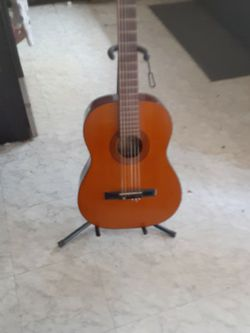 La Primera 6 String Acoustic Guitar for Sale in Fort Worth,  TX