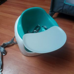 asiento de bebe booster chair for baby for Sale in Dallas, TX