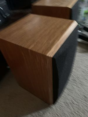 Polk audio wall or shel speakers for Sale in Keizer, OR