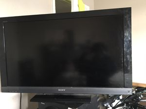 Sony 40 inch tv and active subwoofer for Sale in North Las Vegas, NV