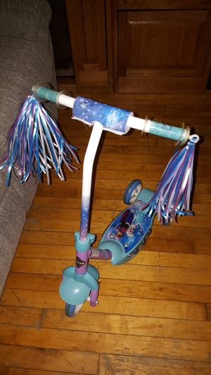 Frozen scooter for kids for Sale in Chicago, IL