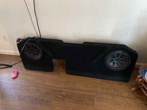 Ram 1500 subwoofer box for Sale in Dinuba, CA