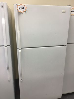Whirlpool top and bottom refrigerator 10% off 🚨‼️🚨 for Sale in Las Vegas, NV