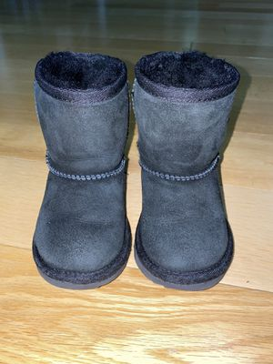 UGG toddler boots for Sale in Queens, NY