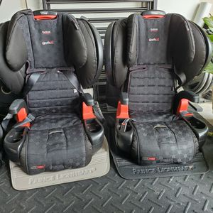 Britax Pinnacle Car Seat - Harness to Booster for Sale in Simpsonville, SC